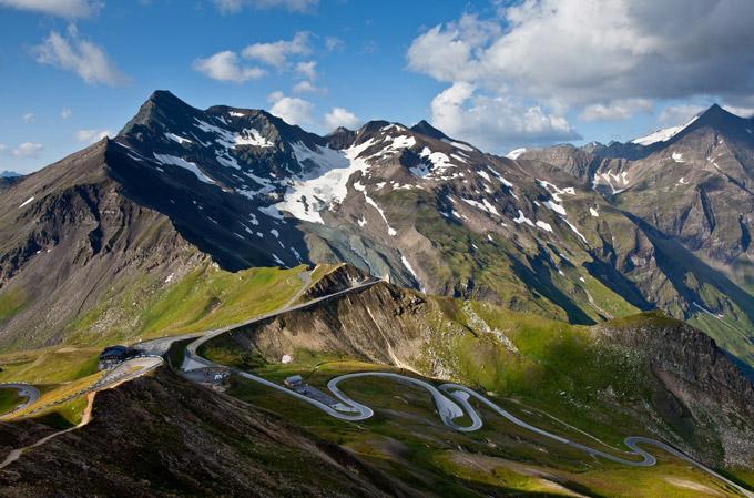 la-route-des-grandes-alpes-france-