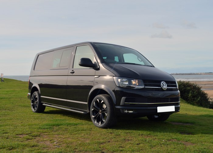 t6 kombi highline now available swiss vans. Black Bedroom Furniture Sets. Home Design Ideas